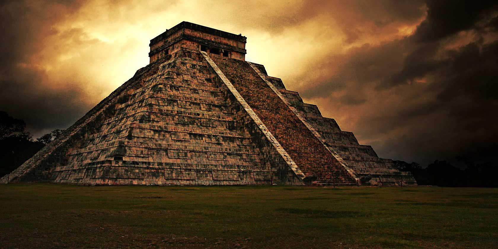 Ancient Maya Temple. Adobe Stock.