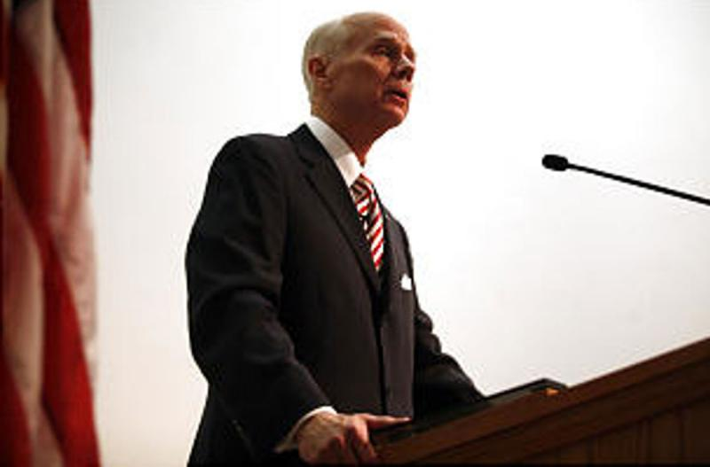 Elder Lance B. Wickman delivering a keynote address at Saints at War. Image: Kristin Murphy, Deseret News.